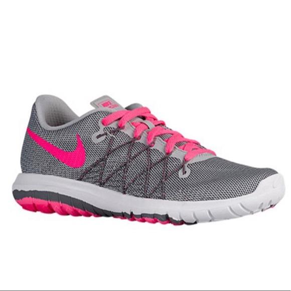 5ab9459de59ca NIB Nike Flex Fury 2 Girls Youth 6 Women s 7.5